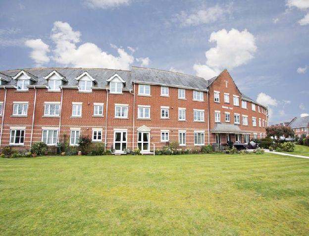 1 bedroom flat for sale in Blenheim Court, Christchurch, BH23 2UG, BH23
