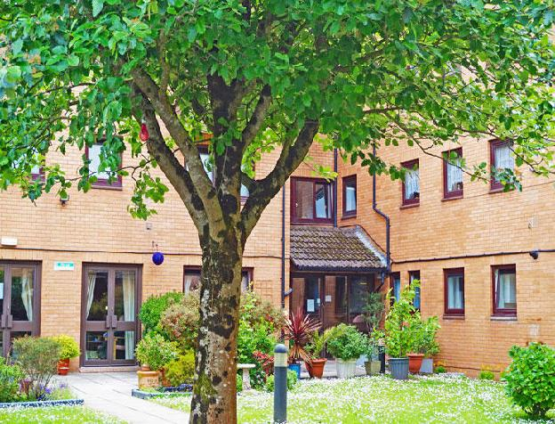 1 bedroom property for sale in Stephenson Court, Wordsworth Avenue, Roath, Cardiff, CF24 3FX, CF24